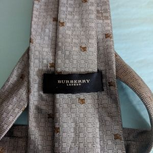 Burberry Accessories - Host Pick! Burberry Prorsum Knight Tie